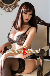 MiMi Girl of James Blond
